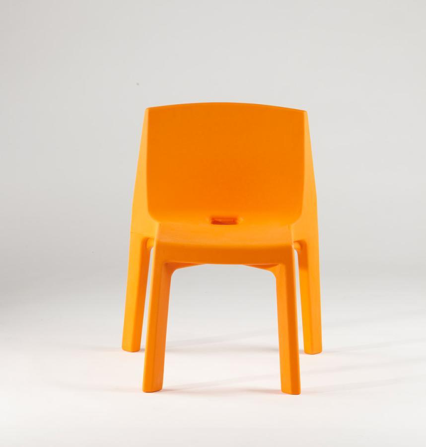 Q4 Stuhl orange in Standard-Farbe von slide