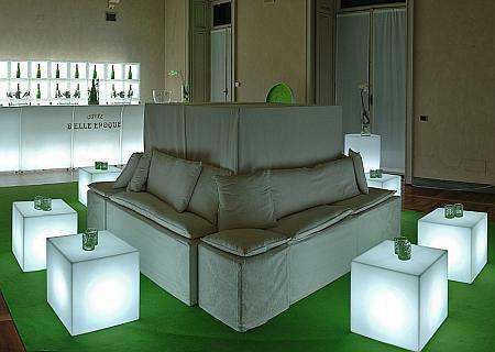 CUBO Leuchtwürfel mit Akku / LED als Beistelltisch