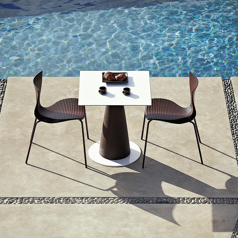 HOPLÀ Esstisch Säule schwarz, Platte eckig, mit Fußplatte rund weiß