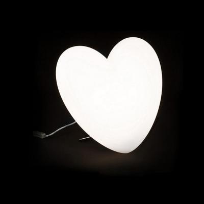 LOVE Tischleuchte beleuchtetes Herz wei