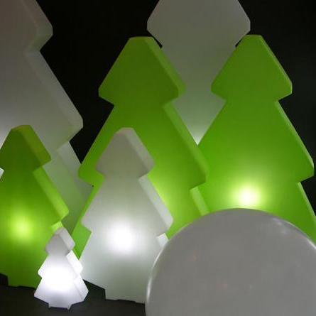 lightree gr ner beleuchteter weihnachtsbaum von slide design. Black Bedroom Furniture Sets. Home Design Ideas