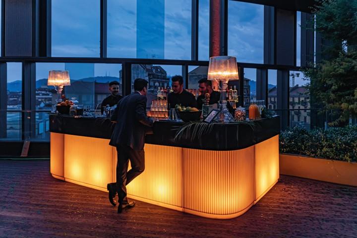 CORDIALE Bar Art Deco, vanille mit brown hochglanzlackiert und beleuchtet