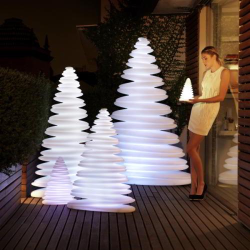 CHRISMY Weihnachtsbaum beleuchtet, Kaltweiß
