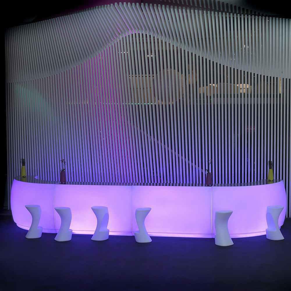 FIESTA Bartheke gebogen und gerade mit violetter Beleuchtung