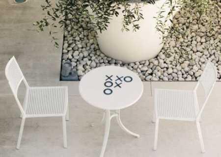 Easy Stapelstuhl Outdoor weiß, mit EASY Tisch