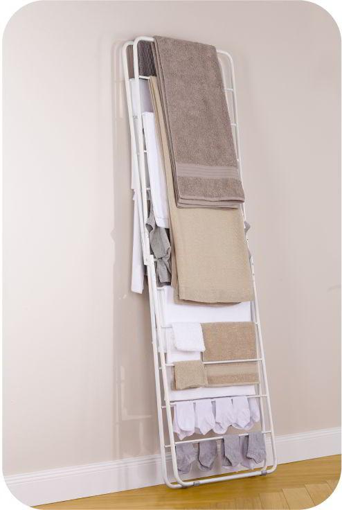 X-Dryer Wäscheständer weiß, komplett beladen und zusammengeklappt